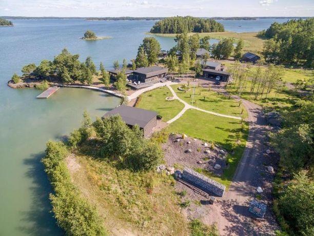 """Naantalin Rymättylässä sijaitseva koti on Airiston """"reunalla""""."""