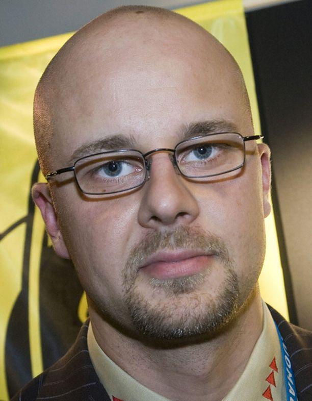 SaiPan Sami Koikkalainen lupaa, etteivät lippujen hinnat ole ainakaan nousussa.