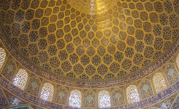 Sheikki Lotfollahin moskeija, Iran.