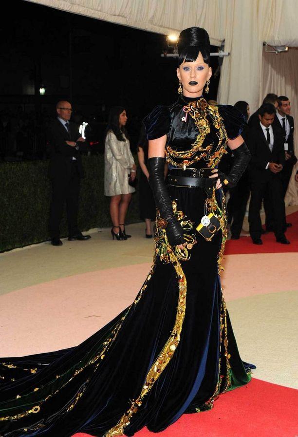 Katy Perryn levoton asu näytti sekamelskalta.
