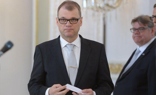 Pääminsteri Juha Sipilän (kesk) hallituksen pitäisi löytää ripeästi lääkkeitä talouskasvuun.
