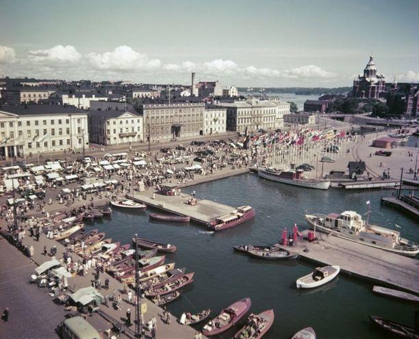 Näköala Kauppatorille olympialaisten aikaan vuonna 1952.