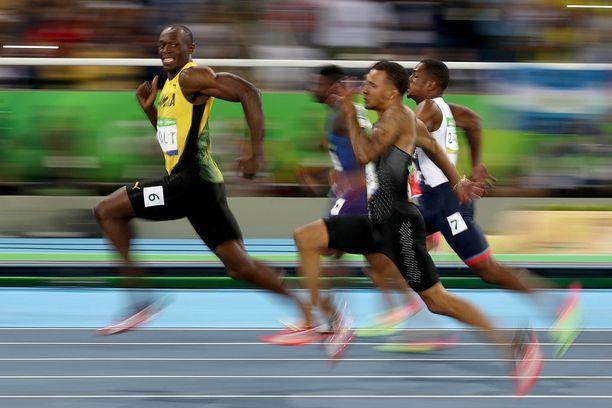 Tämä kuva ei unohdu: Usain Bolt nöyryytti taas muita Riossa.
