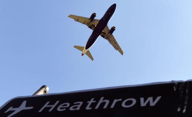 Heathrown lentokenttä sai jättisakot tietosuojarikkeistä.