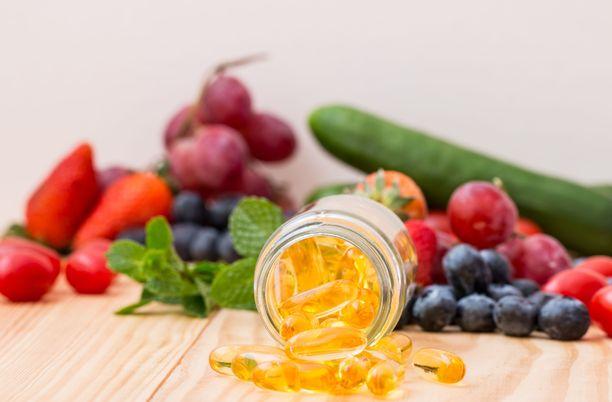 Terveellisesti syöminen on varmempi tapa pitää yllä vastustuskykyä kuin ravintolisien tankkaaminen. Jos terveellisesti syöminen ei jostain syystä onnistu, ravintolisiä voidaan tarvita avuksi.
