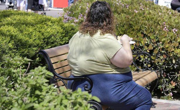 THL:n mukaan väestön lihominen on lisääntynyt viime vuosikymmeninä merkittävästi. Kuvituskuva.