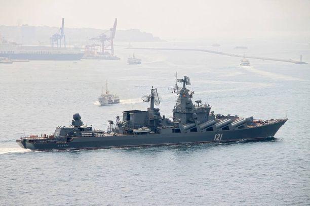Venäjän meridoktriinin mukaan Venäjän laivastolle on turvattava meriyhteys Kaliningradiin. Kuvassa Venäjän sotalaiva Mustanmeren-laivastosta.
