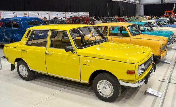 Hienokuntoinen 353 W vuodelta 1979 Classic Motorshow 2012 näyttelyssä.