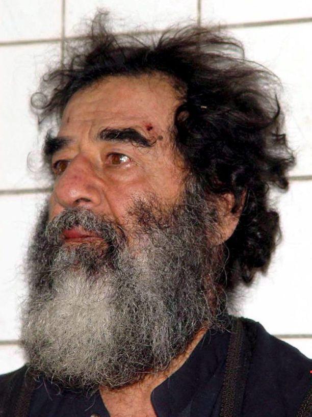 Saddam Hussein pidätyksensä jälkeen joulukuussa 2003.