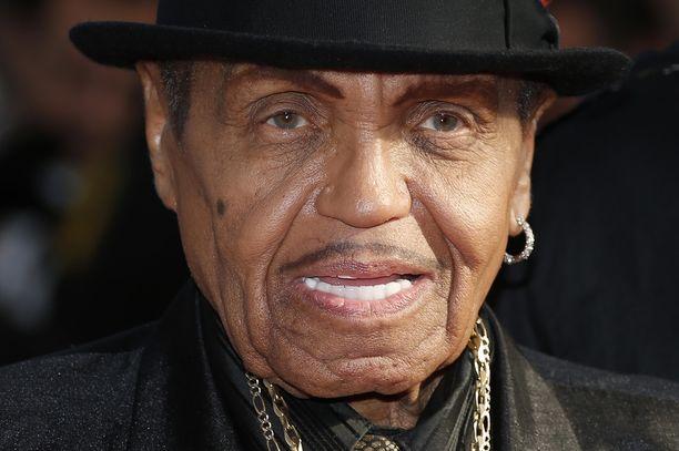 Jacksonin viihdeperheen manageri Joe Jackson teki lapsistaan maailmankuuluja tähtiä.