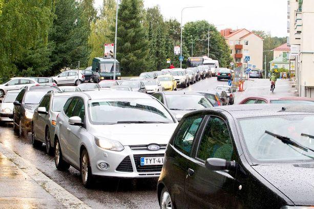 Ruuhkat ja tietyöt näkee Liikenneviraston Liikennetila-palvelusta.