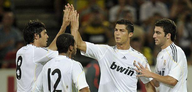 Christiano Ronaldo tuulettaa nyt Canal Plussalla.