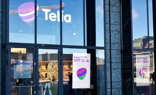 Telialla ilmainen roaming on kuulunut uusiin liittymiin jo maaliskuusta alkaen. Torstaina yhtiö kertoi, että se poistaa roamingiin liittyvät datakatot kotimaan lisäksi Baltiassa ja Pohjolassa.