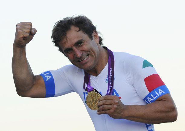 Alex Zanardi on F1-kuljettaja ja moninkertainen paralympialaisten kultamitalisti.