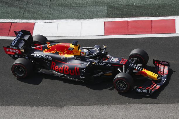Max Verstappen käytti poikkeuksellisen paljon pehmeitä renkaita.