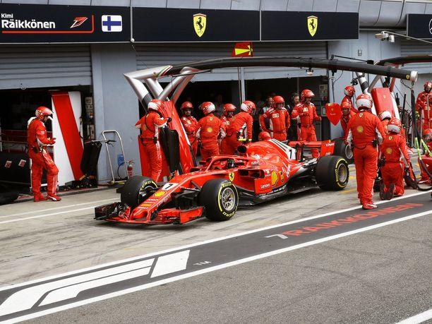 FIA on seurannut Kimi Räikkösen ja Sebastian Vettelin autojen ERS-järjestelmiä lisäsensorilla toukokuussa ajetusta Moncaon GP:stä lähtien.