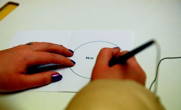 Ensimmäiset maakuntavaalit järjestettäisiin tasavallan presidentin vaalien ensimmäisen kierroksen yhteydessä tammikuussa 2018.