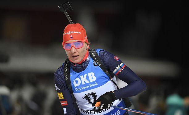Anastasia Kuzminan tämän kauden sijoitukset maailmancupissa ovat toistaiseksi: 15, 36, 2, 1 ja 1. Hän jätti kauden avanneen Östersundin 15 kilometrin kilpailun väliin.