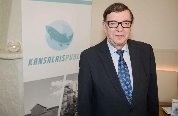 Paavo Väyrysen kannattajien pitää saada 20 000 kannattajakorttia kasaan, jotta Väyrynen pääsee presidenttiehdokkaaksi valitsijayhdistyksen kautta.