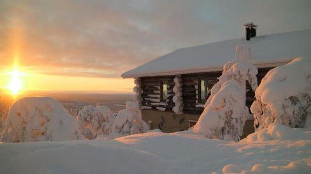 Tämä huvila sijaitsee Saariselän Etelärinteessä. Huvilalta on näköalat sekä tunturiin että Saariselän kylälle.