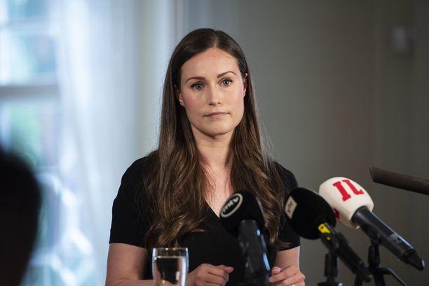 Pääministeri Sanna Marin (sd) avasi elvytyspakettiratkaisun syntya 22. heinäkuuta 2020.