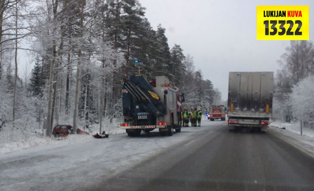 Onnettomuus sattui Luumäen motellilta puoli kilometriä Lappeenrantaan päin.