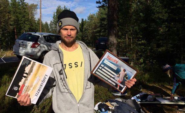 Lauri Heiskari voitti surffin SM-skabat Emäsalossa.