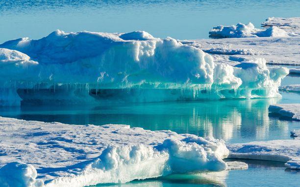 Grönlannin jäätiköitä. Kuvituskuva.