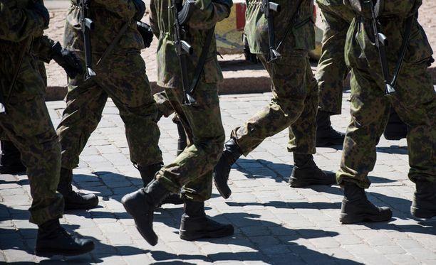 Turvallisuustasojärjestelmän käyttöönotto ja mahdolliset tason korotukset eivät merkitse sotilaallisen valmiuden kohottamista.