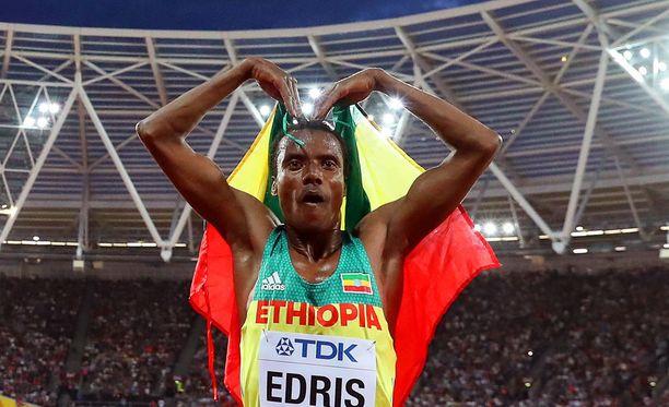 Muktar Edris tuuletti 5 000 metrin MM-kultansa jälkeen kuin Mo Farah.