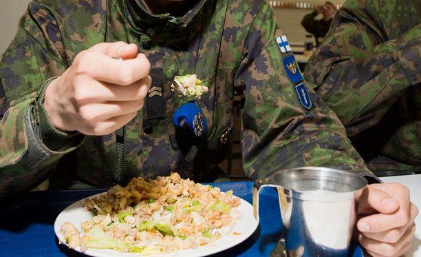 Rekrytointi- ja henkilöstövuokrausyhtiö Kairest Oy etsi asiakasyritykselleen Vekaranjärvelle ravintolatyöntekijää. Puolustusvoimien ravintolatoiminta on ulkoistettu Leijona Catering -yhtiölle.
