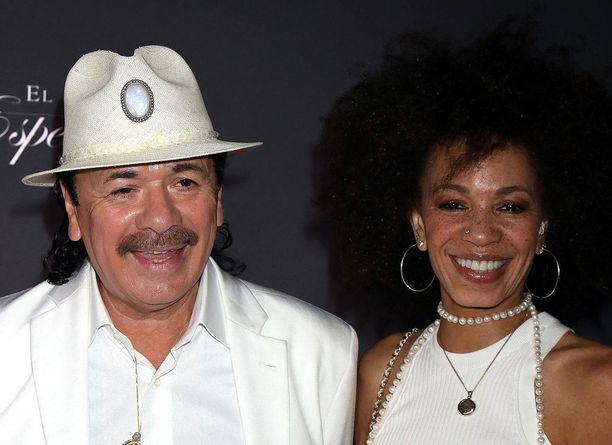Santana on ollut naimisissa rumpalistivaimonsa Cindy Blackman Santanan kanssa vuodesta 2010.