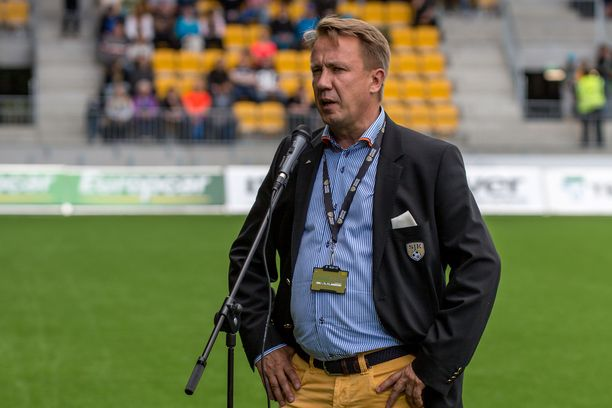 SJK:n puheenjohtaja Raimo Sarajärvi tietää, miksi alkukausi on ollut vaikea.