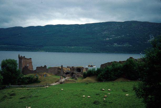 Loch Ness ja Urquhartin linna.