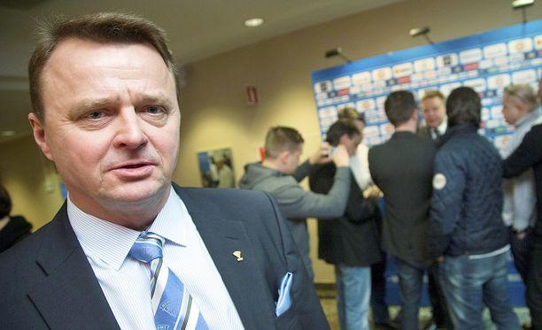 Jukka Toivakka nousee Jukureiden kanssa SM-liigaan.