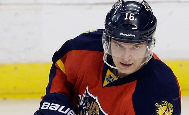 Aleksander Barkov avasi NHL-kautensa erinomaisen väkevästi.