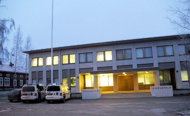 Keskisuomalainen liikemies on tuomittu Etelä-Pohjanmaan käräjillä kahdesti. Kuvassa Seinäjoen oikeustalo.