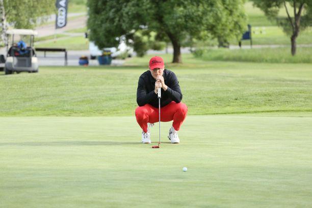 Patrik Laineen mukaan golf on hyvää vastapainoa NHL-pelaajan stressaavalle arjelle.