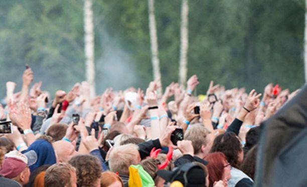 Poliisin patjoille vietiin 18 konserttivierasta.