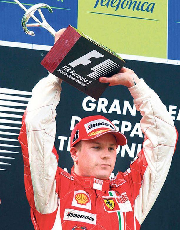Kimi Räikkönen on viimeksi juhlinut GP-voittoa huhtikuussa 2008.