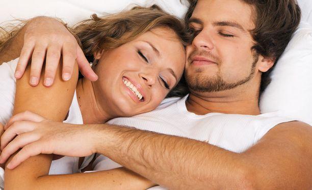 Mikäli fysiologisia vammoja ei ole, voi orgasmin halutessaan oppia.
