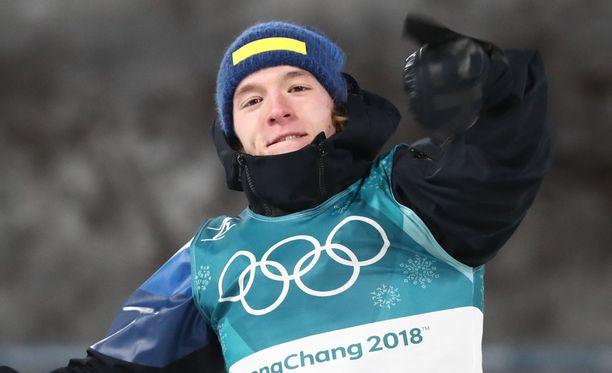 Ruotsin 20-vuotias Sebastian Samuelsson otti kaikkien yllätykseksi hopeaa ampumahiihdon takaa-ajokisassa.
