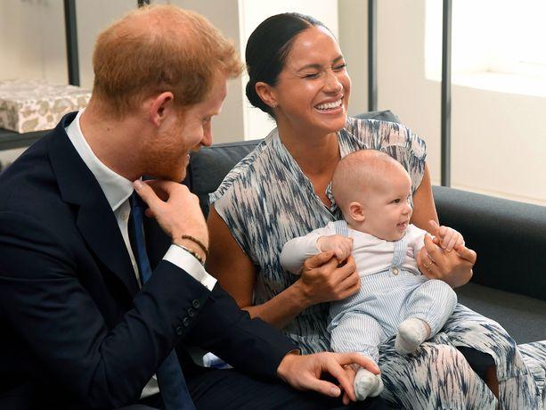 Harry ja Meghan muuttavat Archien kanssa Kanadaan.