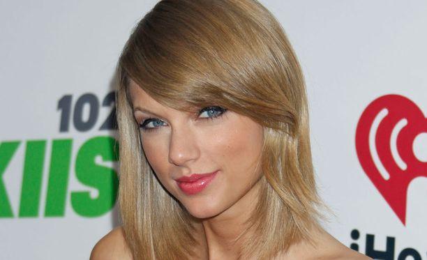 Taylor Swift kyllästyi pilkkaamiseen.