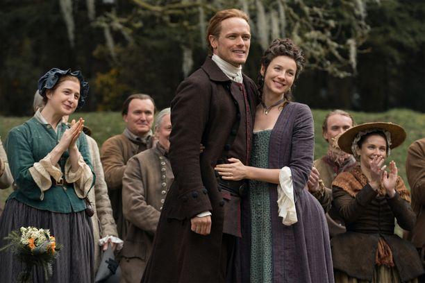 Historiallisessa draamasarjassa Outlander riittää niin romantiikkaa kuin seikkailuakin. Viidennen kauden jaksot ilmestyvät torstaisin.
