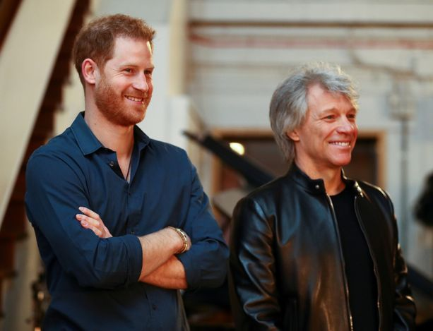 Prinssi Harry ja Jon Bon Jovi vierailivat Abbey Road -studiolla Lontoossa.