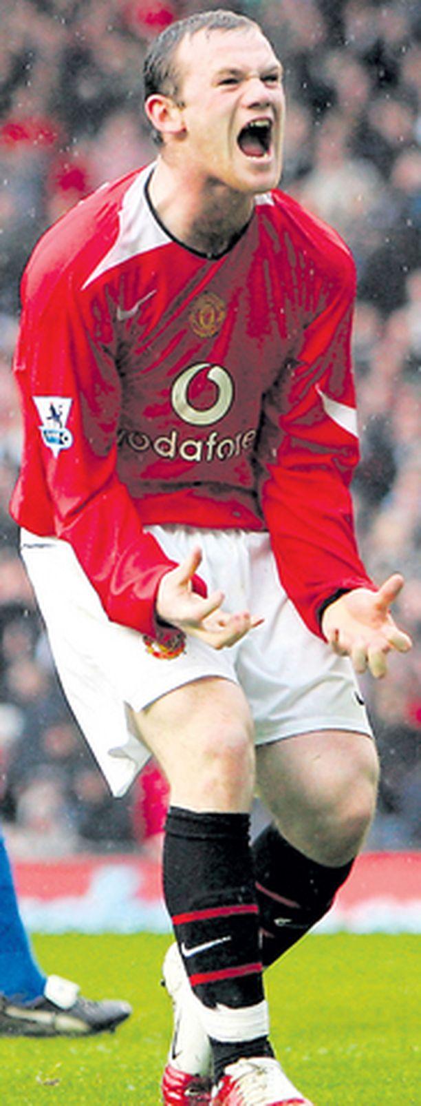 Wayne Rooney väittää Evertonin valmentajan David Moyesin yrittäneen kontrolloida häntä liikaa.