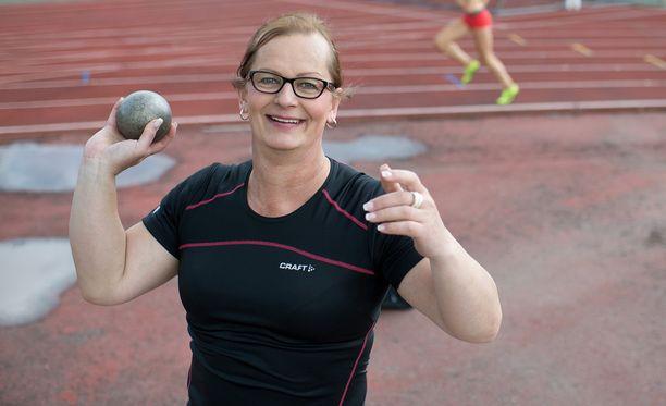 Vera Räsänen karsiutui loppukilpailusta tuloksella 12,08.