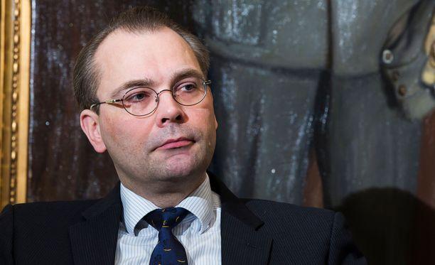 Niinistö kertoo, että kun Ruotsin puolustusministeri Peter Hultqvist kuuli harjoituksesta, hän sanoi Ruotsin olevan mukana.