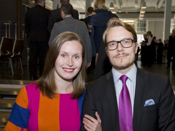 Pääministeri Sanna Marinin (sd) puoliso Markus Räikkönen ja hänen työnantajansa ovat olleet aktiivisessa roolissa koronatukien hakemisessa.